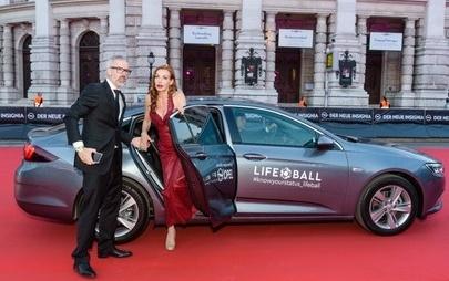 Das war der Life-Ball 2017 – Opel als starker Mobilitätspartner für DAS schillernde Ball-Event des Jahres