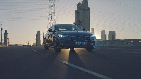 """""""Die Zukunft gehört allen"""": Opel präsentiert neues Markenversprechen, neues Logo und neue Insignia-Kampagne mit Botschafter Klopp"""