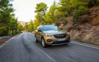 Starkes Auto, starker Antrieb: Neuer Opel Grandland X ab sofort mit Spitzendiesel und neuer Premium-Ausstattungslinie bestellbar