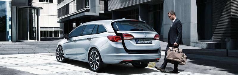 Opel Astra von hinten öffnen mit Fuß